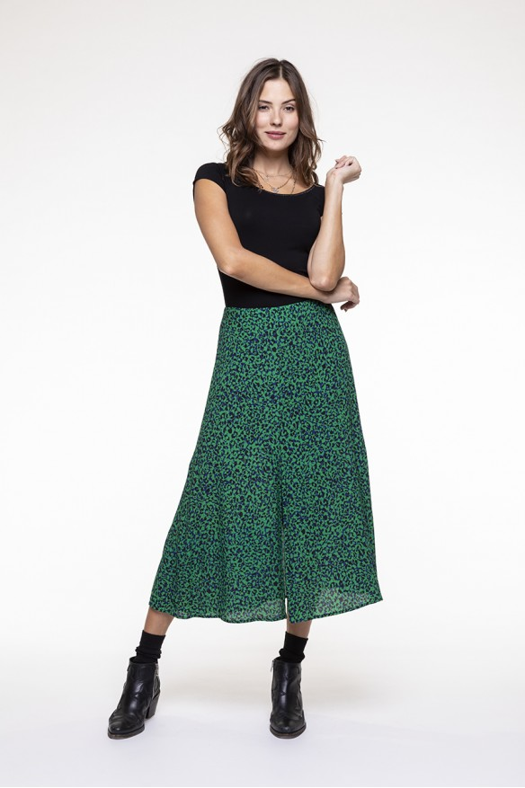 Green and black spotted printed long skirt