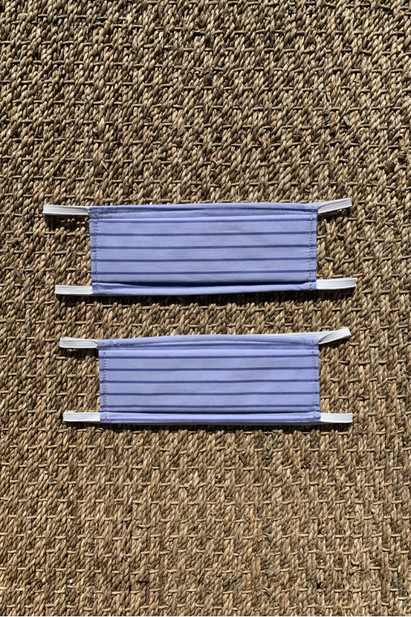 "Packs of 2 blue barrier mask with ""pijama"" stripes"
