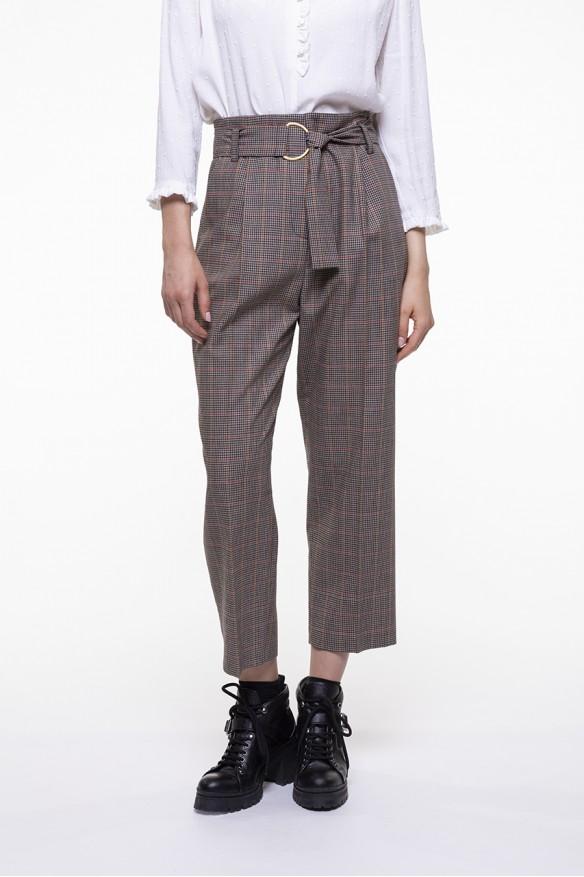 Pantalon ceinturé en mélange de laine vierge à carreaux beige