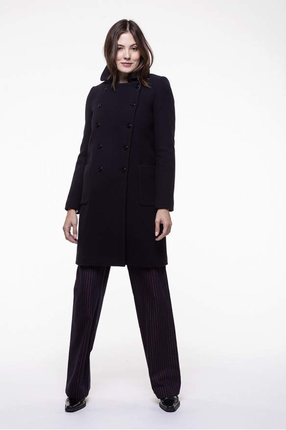 Navy blue coat in virgin blended wool