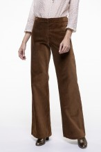 Smooth camel velvet flared pants