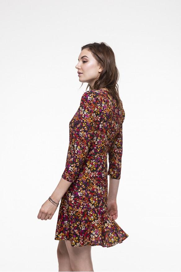 Robe ajustée, col rond à l'imprimé floral coloré