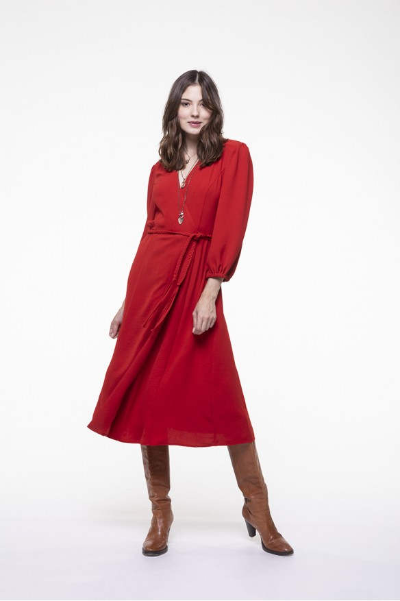 Robe longue rouge coupe portefeuille