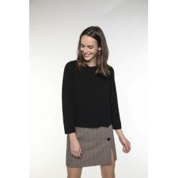 Black cashmere wool and cashmere blended sweater with round collar