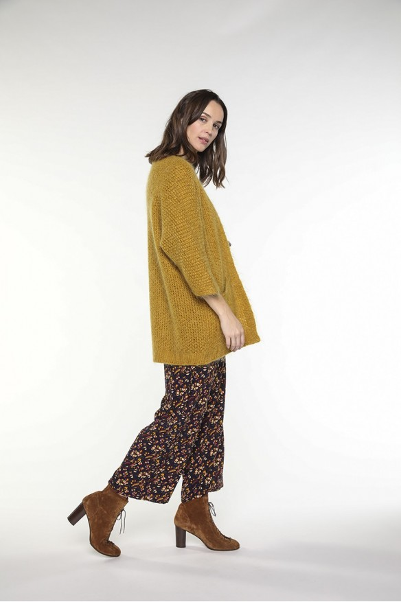 Saffron yellow wool-blended cardigan with pockets