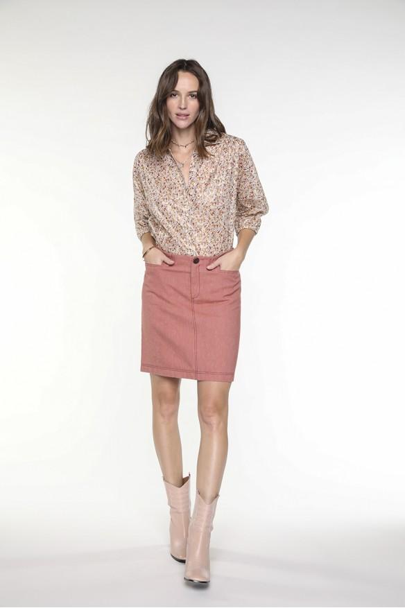 Brick colored short jean...
