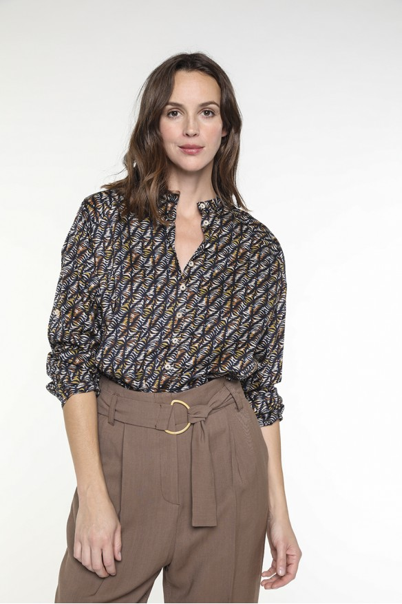 Etnic printed collarless shirt