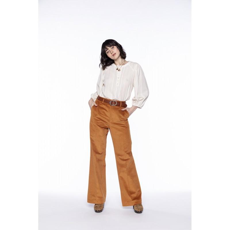 Pantalon flare en velours côtelé ocre