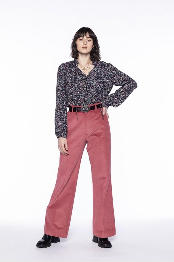 Pantalon flare en velours côtelé rose