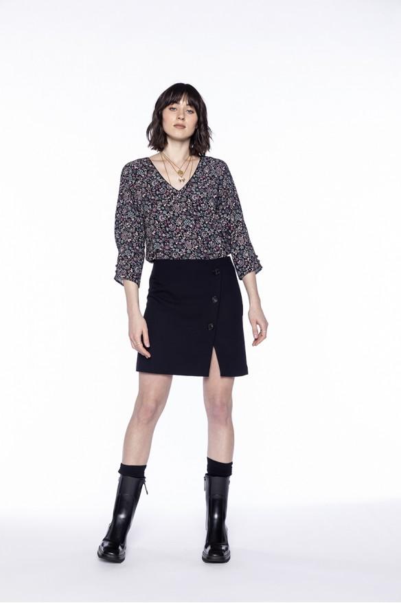 Black woolen blended skirt