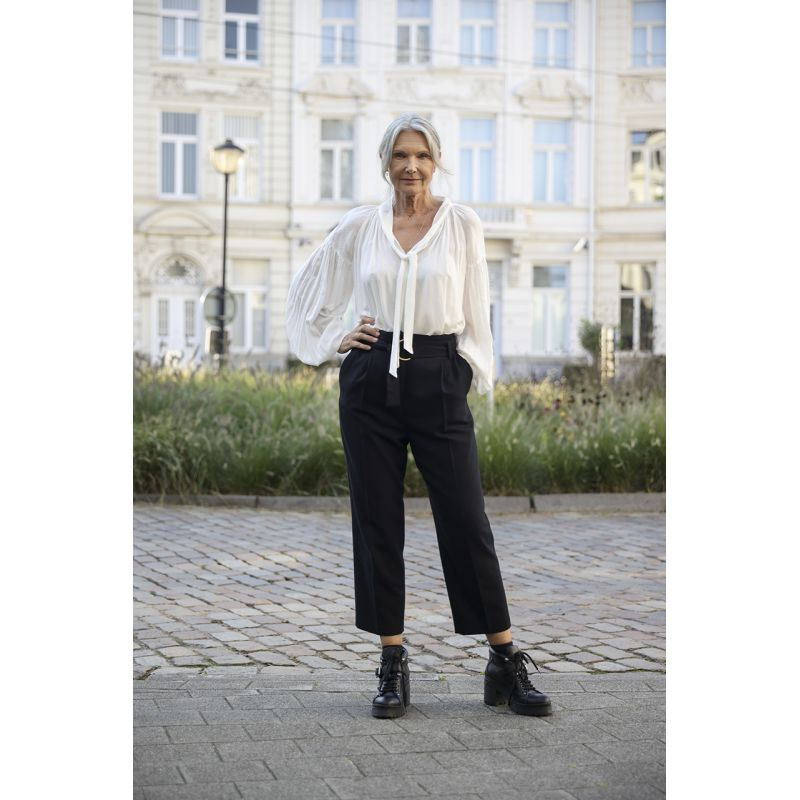 Black belted woolen blended pants