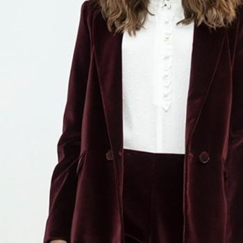 Que pensez-vous de la jolie couleur prune de notre veste Steno ? Elle est à -40% sur notre site !   #cheminsblancs #newcollection #winter #autumn #backtowork