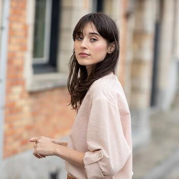 La chemise parfaite pour le printemps, légère en coton gaufré : nous appelons Pegou ✨  #cheminsblancs #fsc #nouvelleco #spring